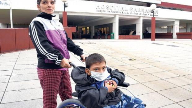 El drama de Mateo, el sanjuanino que necesita asistencia en Buenos Aires hasta que llegue la internación
