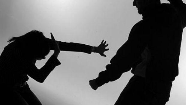 Le quebró el tabique a su pareja por ir a bailar sin permiso