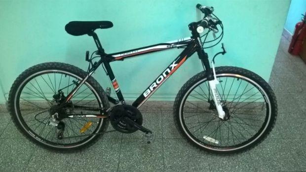 Le robaron una bicicleta y engañó al ladrón para recuperarla