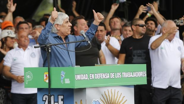 Hugo Moyano amenazó con un paro nacional para el 14 de junio
