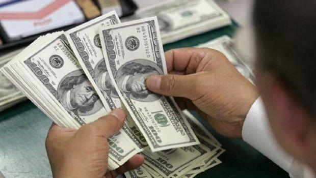 Bancos registraron un récord de depósitos en dólares