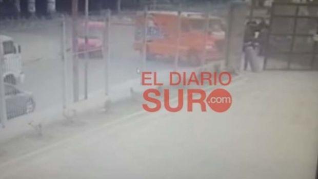 Insólito: dejaron la puerta abierta de un camión de caudales y les robaron $1 millón