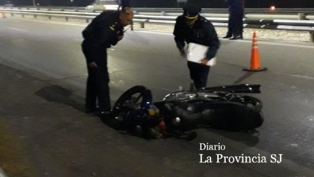 Tragedia vial en Santa Lucía: la mujer policía fue embestida por otro efectivo que iba a hacer adicional