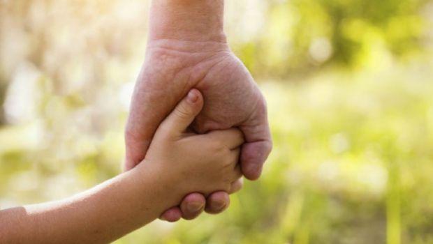 Más de 20 chicos mayores de 10 años esperan por la adopción en San Juan