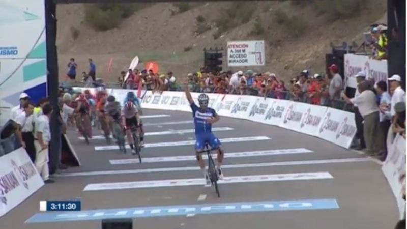 Julian Alaphilippe se quedó con la durísima 2° etapa de la Vuelta a San Juan