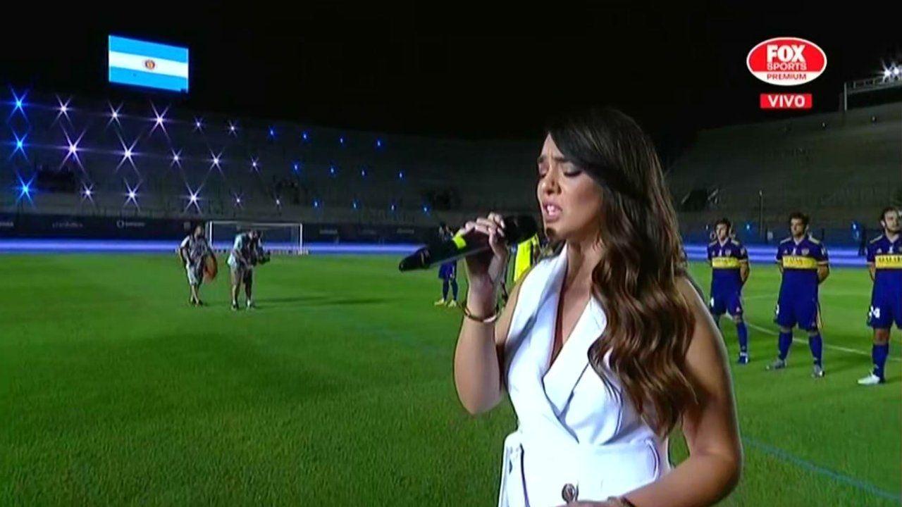 Ángela Leiva emocionó con el Himno - Diario La Provincia SJ - San Juan